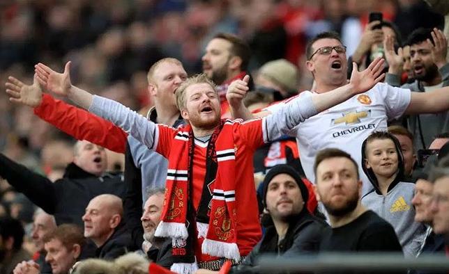 Setan Merah Masih Oleng, Tiket Terusan Musim 2019-2020 Sold Out