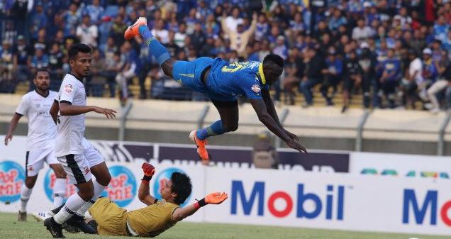 Lagi-Lagi Ditahan Imbang, Bermain Di Kandang Sendiri Persib Bandung bermain imbang