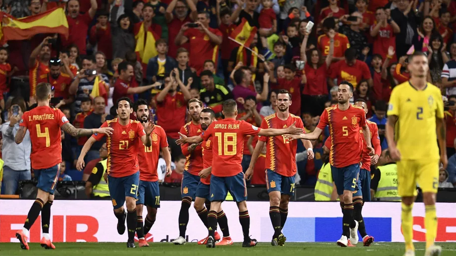Spanyol Pemuncak Klasemen Grup, Swedia Tak Bergeser Posisir