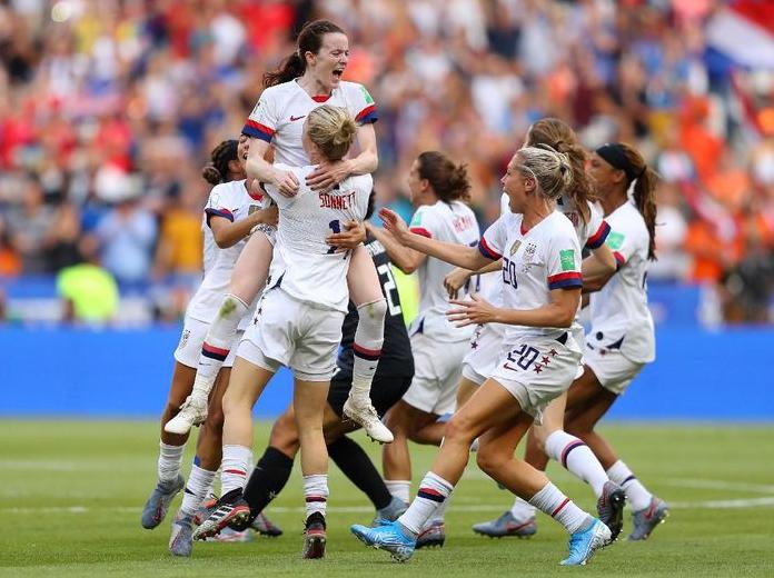 Diwarnai Dengan Darah Dan Drama VAR, AS Sukses Mempertahankan Gelar Juara Piala Dunia Wanita 2019