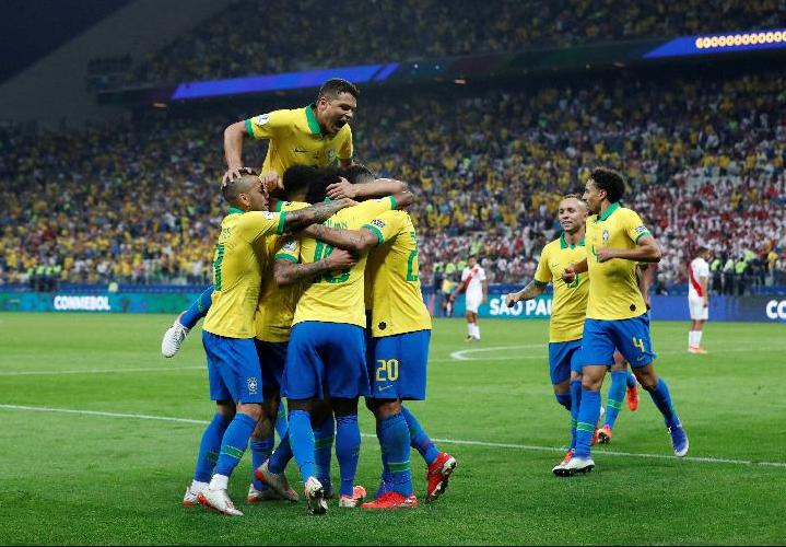 babak pertama brasil unggul 1-0