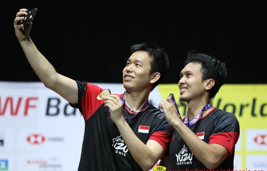 men double podium