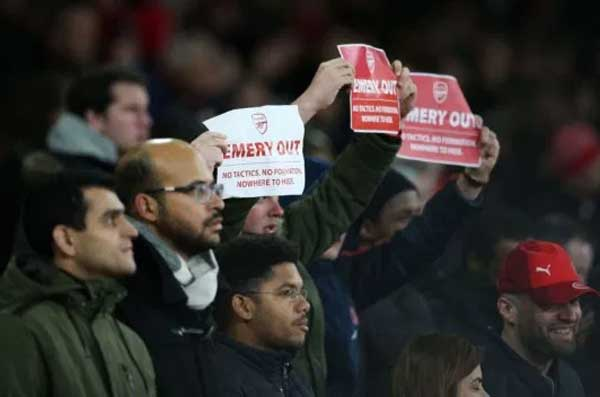protes fans arsenal