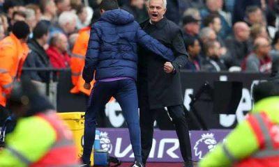Jose Mourinho merayakan gol Tottenham