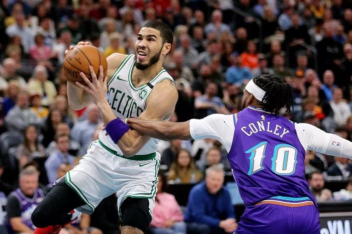 Celtics Menjauhi Jazz