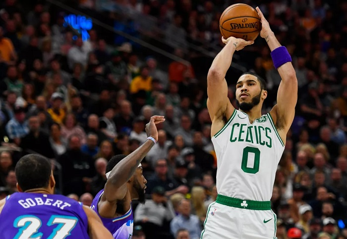 Marcus Smart dan Enes Kanter bergabung untuk membantu Boston Celtics