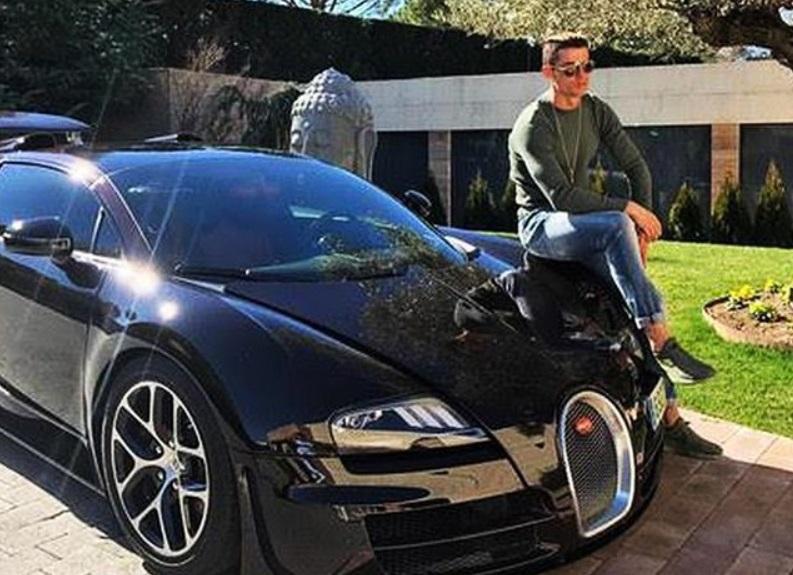 Mobil mewah Ronaldo