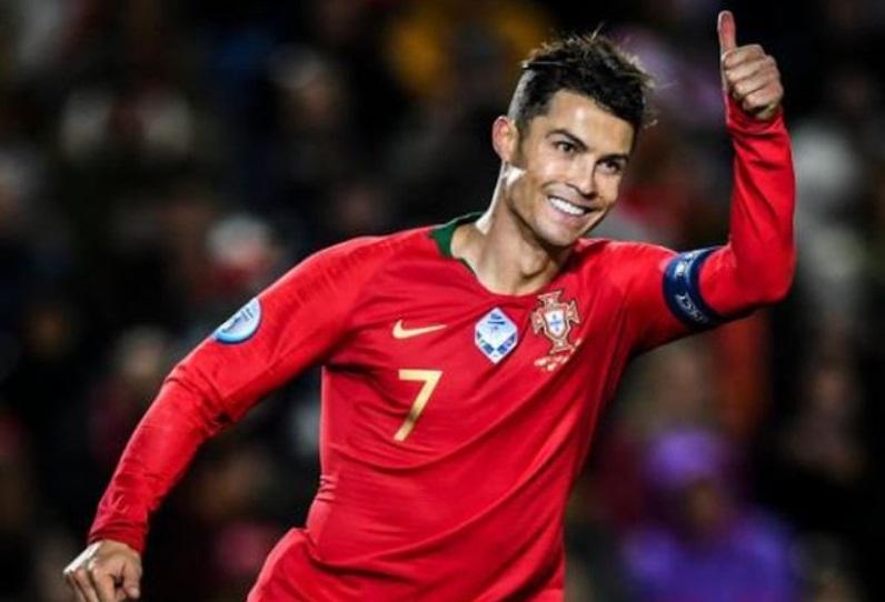 Patung Ronaldo Berbahan Coklat