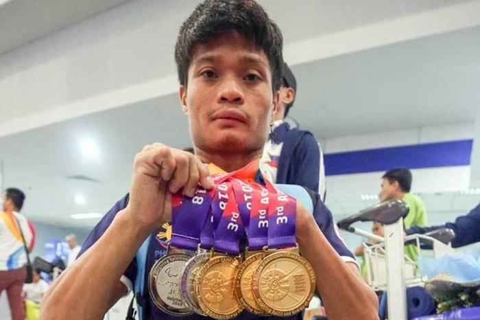 Gawilan Menjadi Pembawa Bendera Filipina di ASEAN Para Games