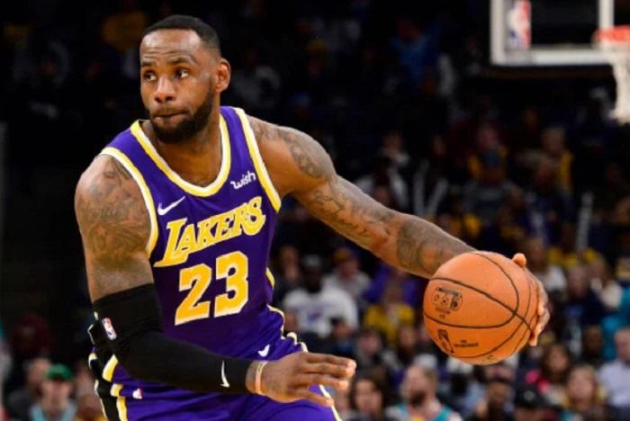 LeBron Ciptakan skor 34 saat Lakers Libas Pelikan