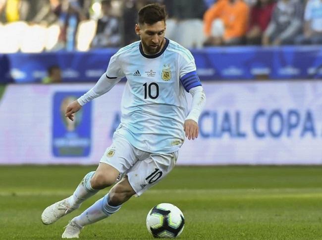 Sepak bola Tidak Adil jika Messi Belum Menangkan Piala Dunia