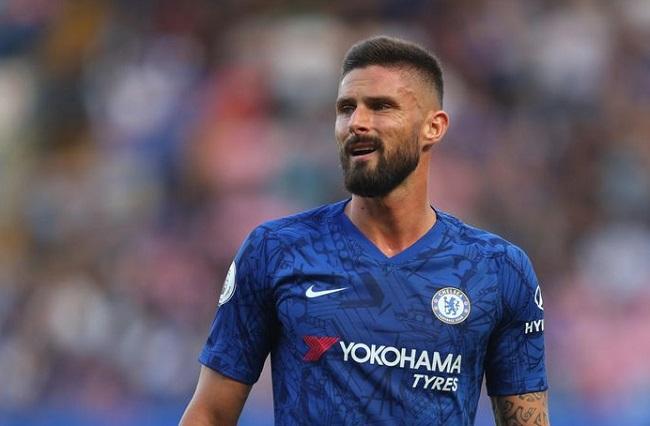 Chelsea Bicarakan Kontrak Baru Giroud