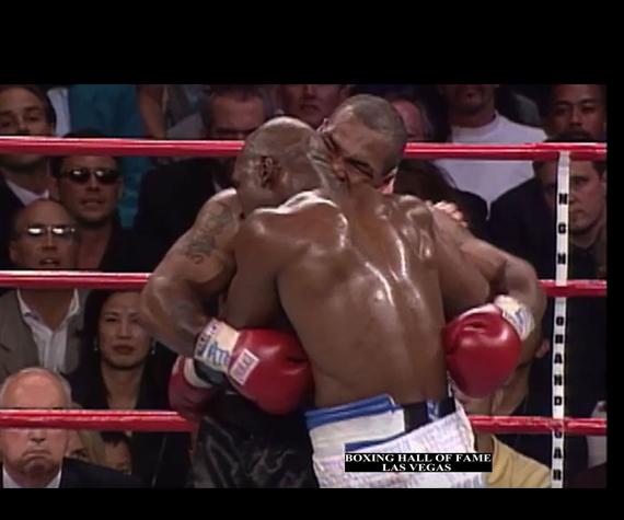 pertarungan Mike Tyson VS Evander Holyfield