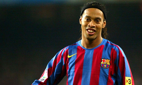 Cardetti Sebut Ronaldinho Lebih Baik Dari Messi