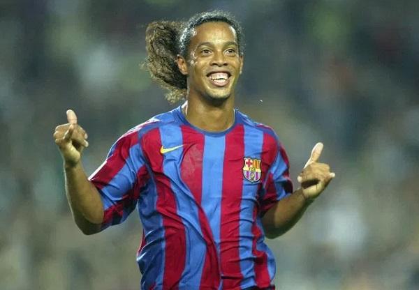 Cardetti Sebut Ronaldinho Lebih Baik Dibanding Messi