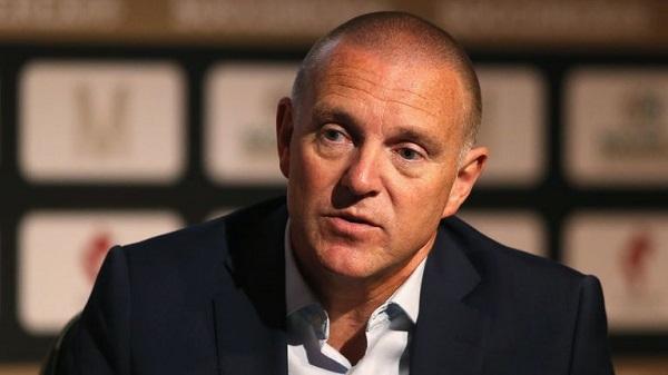 Paul Barber Menentang Rencana Restart Liga Premier
