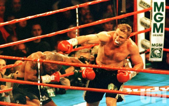 Tyson vs Francois Botha 1999