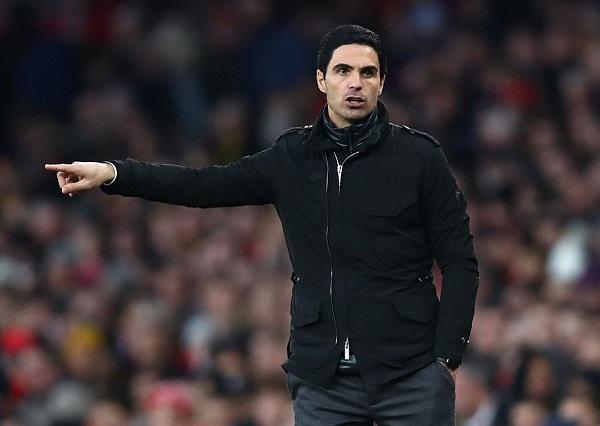 Arteta Peringati Arsenal Saat Chelsea Sedang Belanja Besar
