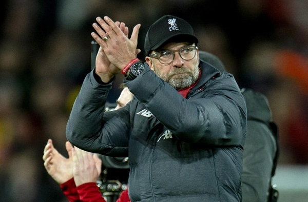 Klopp Minta Para Pemain Liverpool Menggunakan Topeng dan Sarung Tangan