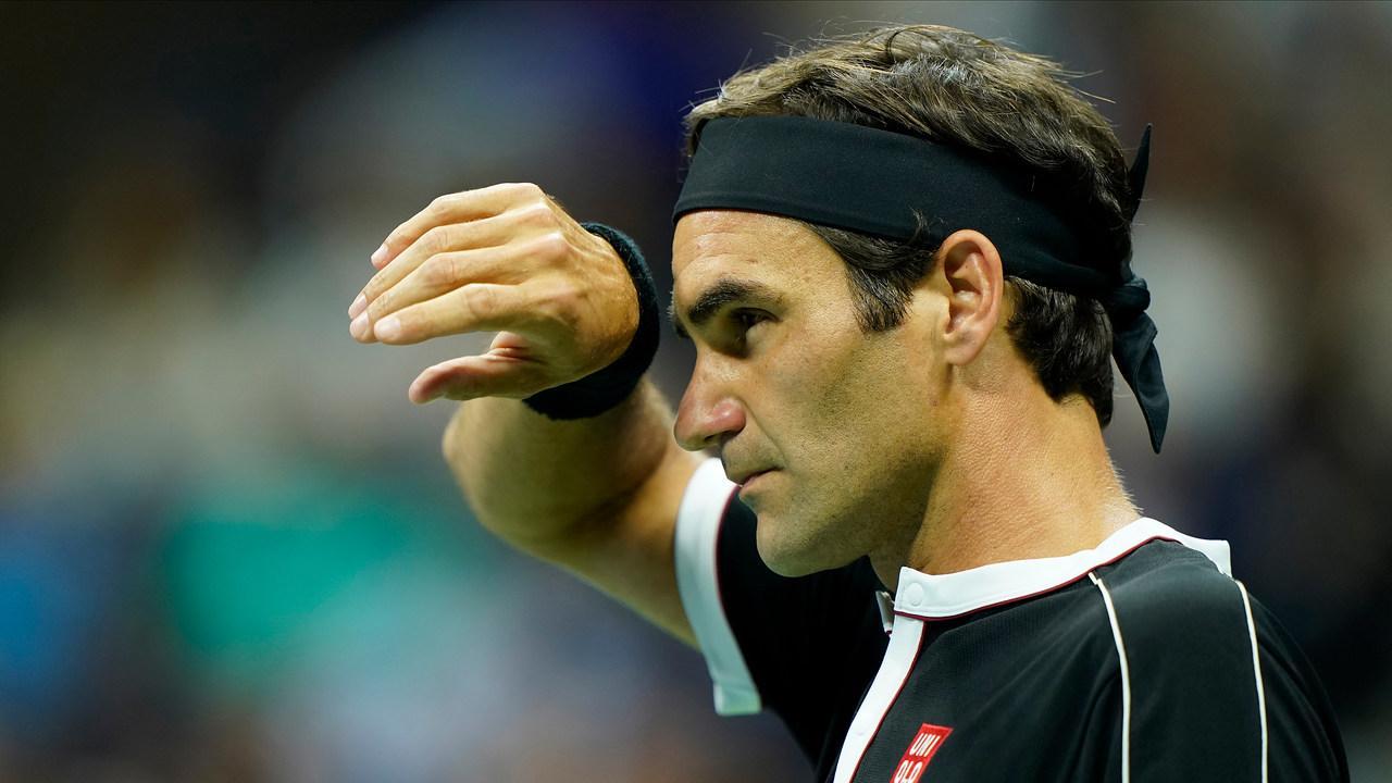 Roger Federer cedera