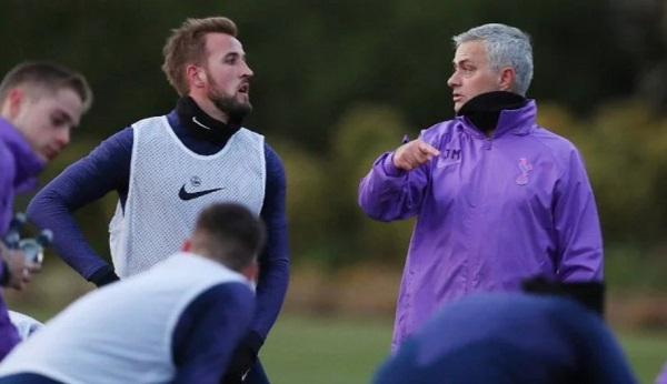 Untuk Pertahankan Kane dan Mourinho Tottenham Perlu Menangkan Trofi
