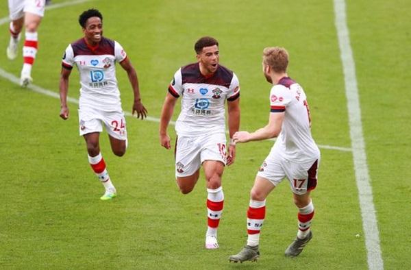 Adams Mendekati Rekor Ayegbeni Di Liga Premier