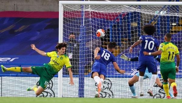 Berkat Gol Giroud Chelsea Menangkan Laga Melawan Norwich