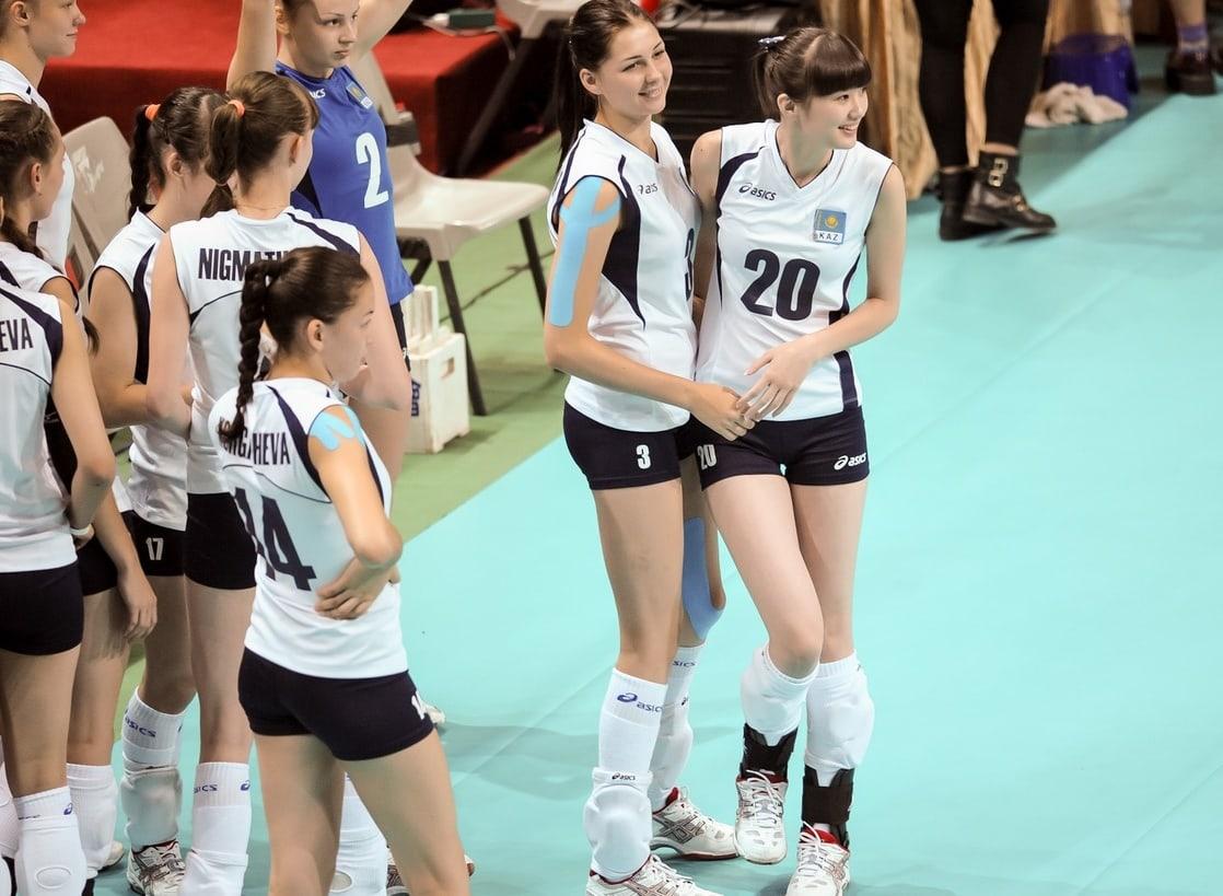 Sabina Altynbekova dan timnya