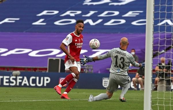 Aubameyang Bisa Menjadi Legenda Arsenal Jika Tetap Bertahan