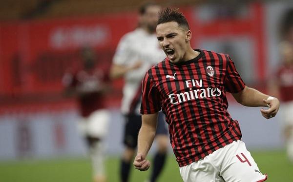 Bennacer Senang Bisa Bermain Di Posisi Andrea Pirlo di AC Milan