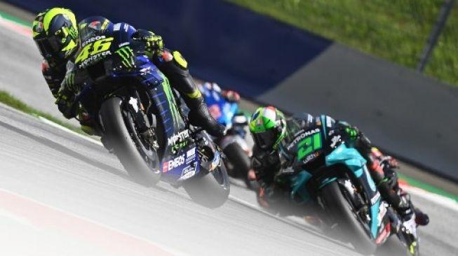 Valentino Rossi hampir kecelakaan