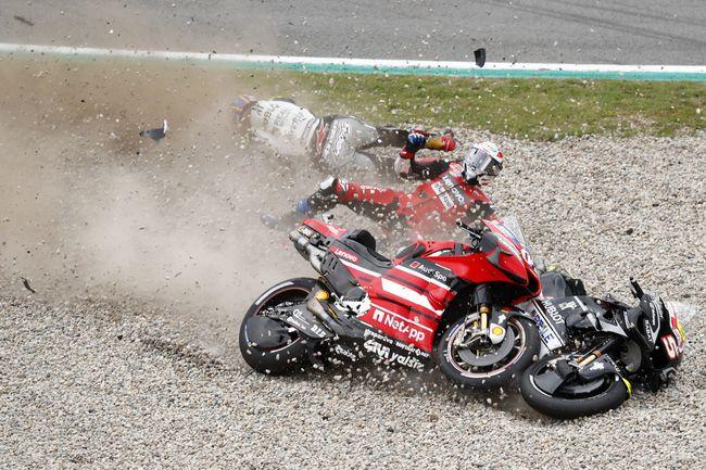 Andrea Dovizioso jatuh