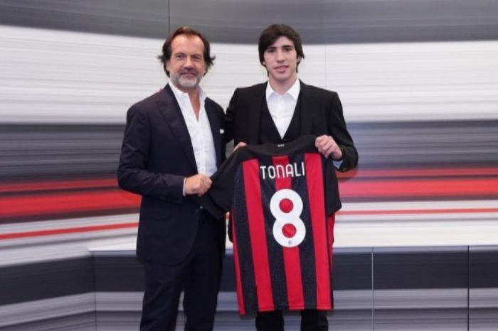 Sandro Tonali pindah ke AC Milan