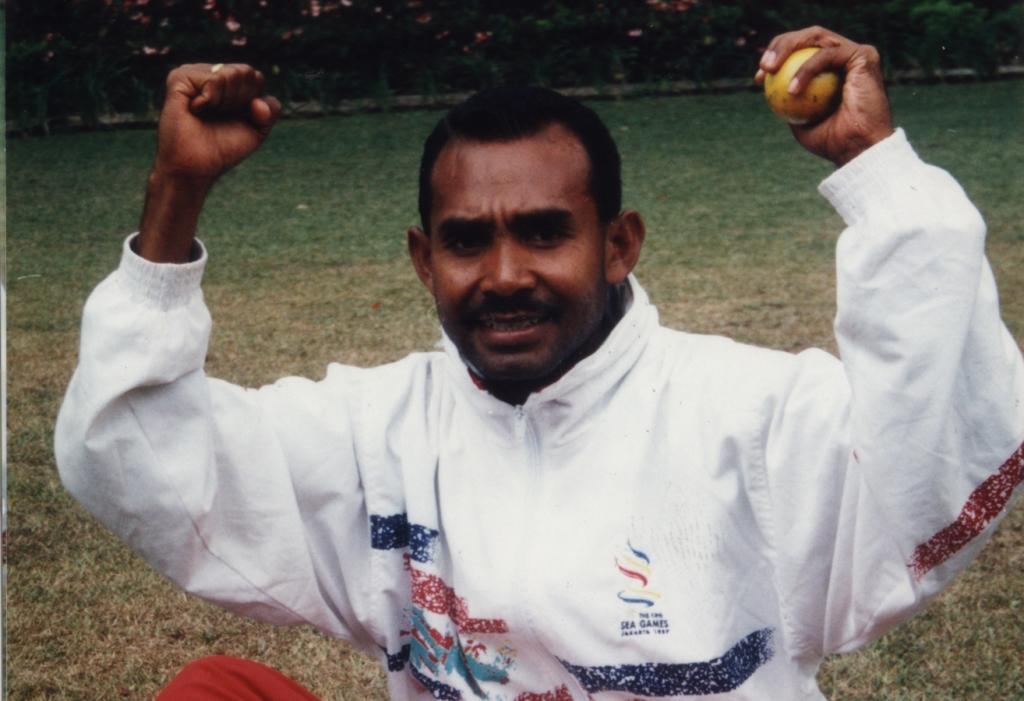 Eduardus Nabunome, legenda maraton Indonesia