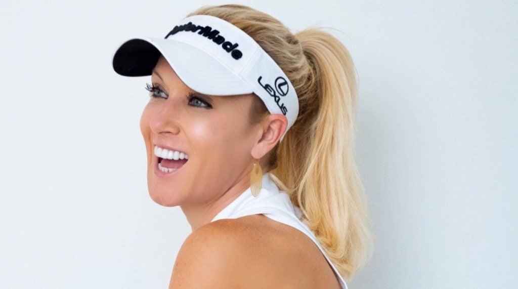 atlet golf cantik