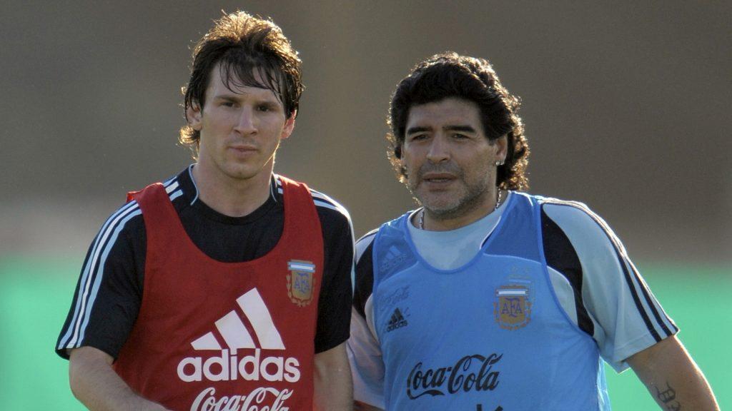 Diego Maradona dan Lionel Messi