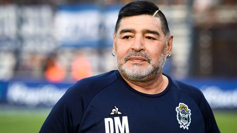 Diego Maradona sakit