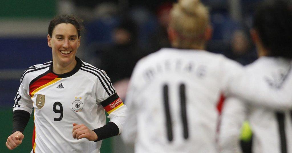 pemain bola wanita terbaik di dunia