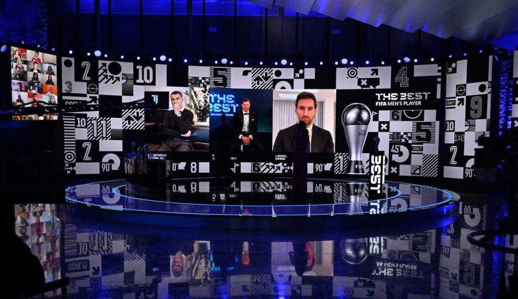 Robert Lewandowski kalahkan Messi dan Ronaldo