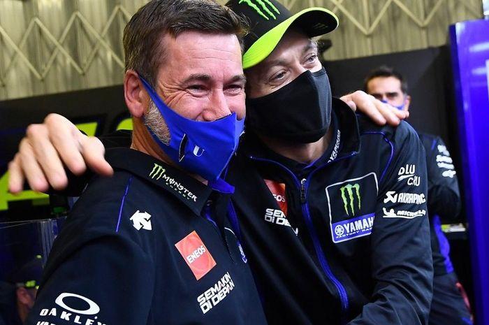 perpisahan Alex Briggs dan Valentino Rossi