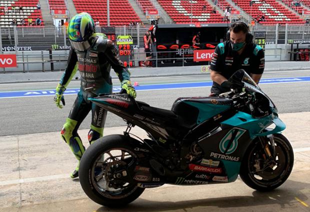 Valentino Rossi kecelakaan
